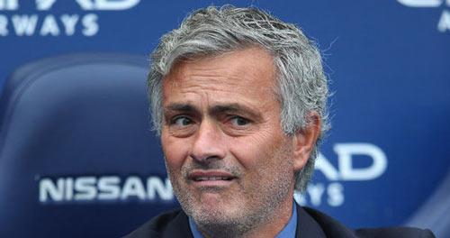 """MU """"bắt cá 3 tay"""" với Mourinho, Giggs và Van Gaal - 1"""