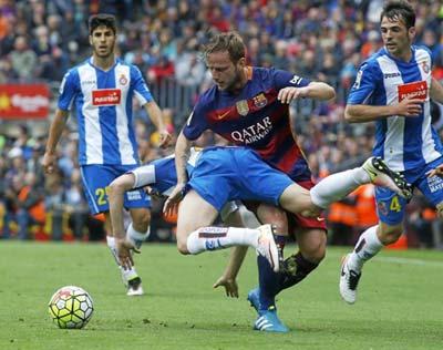 Chi tiết Barca - Espanyol: Thế trận nửa sân (KT) - 6