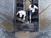 Tin tức trong ngày - Một công nhân chết thảm khi sửa băng chuyền đá vôi