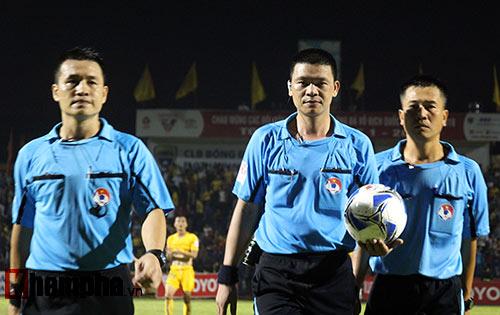 Trọng tài Hà Anh Chiến V-League - Bị tố ép SLNA trắng trợn - 1