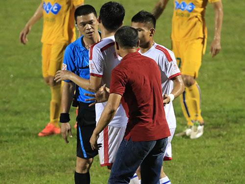 Trọng tài V League 2016 - 1