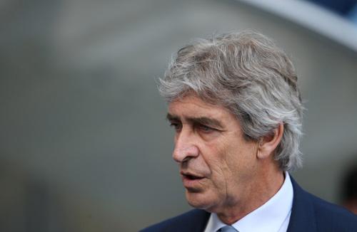Sợ MU chiếm top 4, Pellegrini cầu viện West Ham - 1