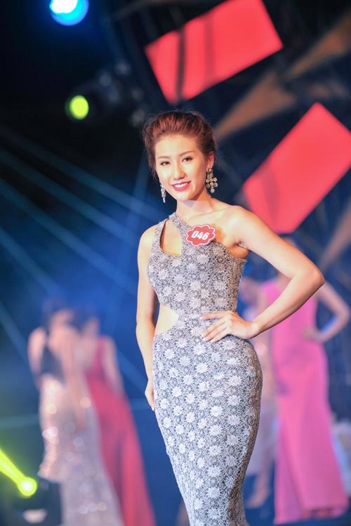 """Thí sinh Hoa hậu Biển thi bikini """"đốt nóng"""" Tuần Châu - 14"""