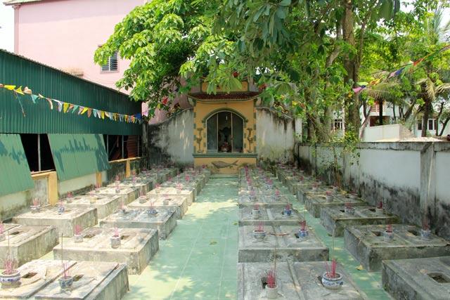 Độc đáo nghĩa trang thờ 100 con cá voi ở Nghệ An - 2