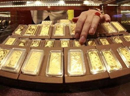 Giá vàng trong nước đi ngang, rẻ hơn thế giới 400 nghìn đồng - 1