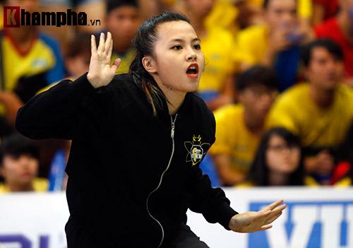 """Nữ sinh xinh đẹp """"quẩy hết cỡ"""" ở giải thể thao viên VN - 6"""