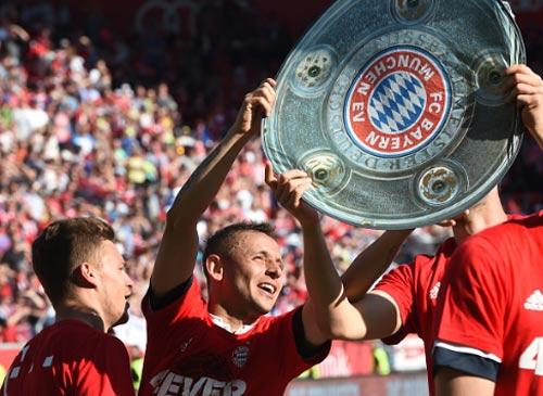 """Bayern lập poker Bundesliga: Kỷ lục """"thường ở huyện"""" - 1"""