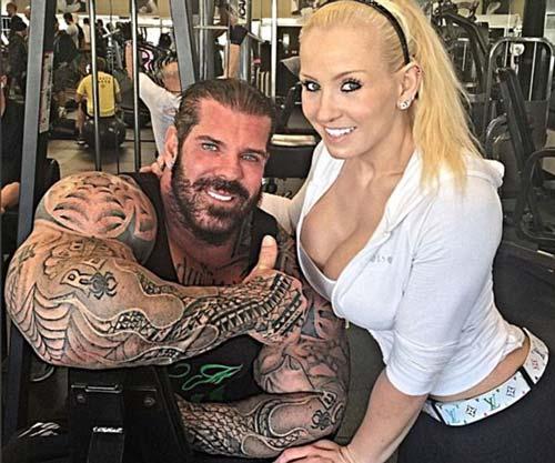 """Lực sỹ cơ bắp như """"kẻ hủy diệt"""" và cô vợ xinh đẹp - 1"""