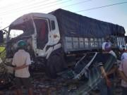 Tin tức trong ngày - Hai xe tải đối đầu, 2 người tử vong tại chỗ