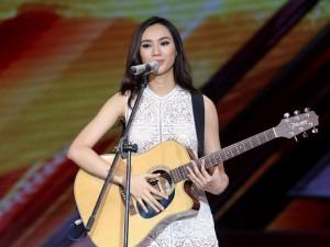 """Cô gái """"đẹp như Hà Hồ, hát như Mỹ Tâm"""" gây sốt X-Factor"""