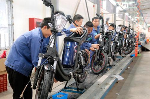 300 xe tải mới chở hết xe điện Hkbike đặt hàng ngày đầu mở bán - 1