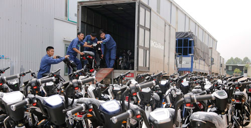 300 xe tải mới chở hết xe điện Hkbike đặt hàng ngày đầu mở bán - 2