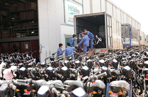 300 xe tải mới chở hết xe điện Hkbike đặt hàng ngày đầu mở bán - 3
