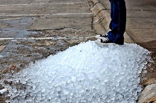 Nỗi lo nước đá bẩn gây ảnh hưởng tới sức khỏe người dùng - 1