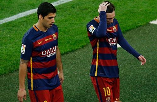 Barca coi chừng sụp đổ cuối mùa: Bài học MU, Arsenal - 1