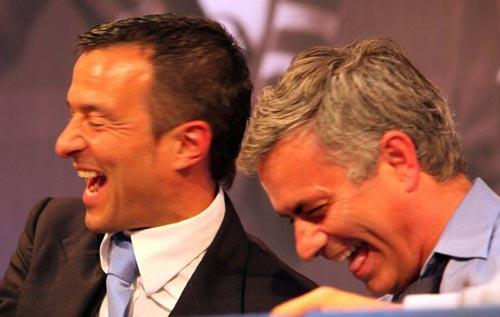 Sir Alex đi ăn với Pochettino, Mourinho không đến MU - 2