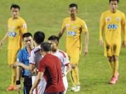 Bóng đá - Siết công tác trọng tài ở V.League