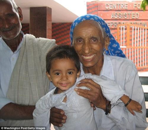 Cụ bà Ấn Độ sinh con đầu lòng ở tuổi 70 - 2