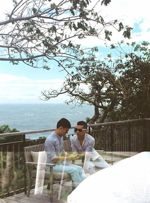 Adrian Anh Tuấn tung ảnh lãng mạn với bạn đời đồng giới - 4