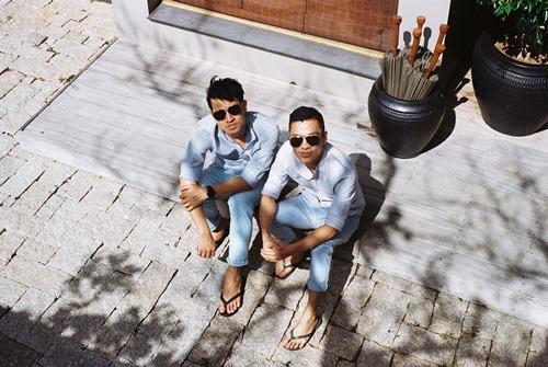Adrian Anh Tuấn tung ảnh lãng mạn với bạn đời đồng giới - 9