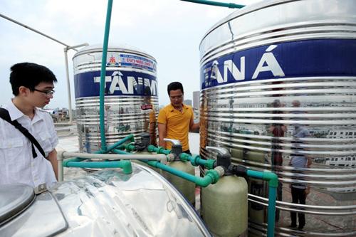 HN: Ở biệt thự tiền tỷ, 2 năm không có một giọt nước sạch - 7