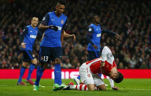 Arsenal 19 năm liên tiếp dự cúp C1: Công–tội Wenger - 3