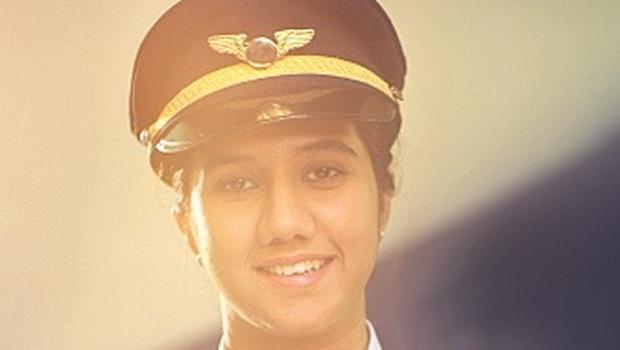 Gặp nữ phi công xinh đẹp trẻ nhất Ấn Độ - 3
