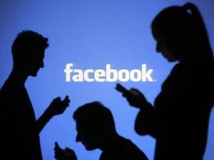 """Cách ngăn Facebook """"đào mộ"""" hình ảnh người yêu cũ"""