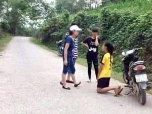 Nữ sinh đánh bạn, bắt quỳ xin lỗi vì ghen tuông?