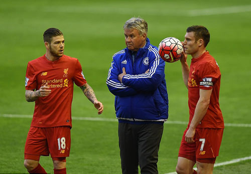 "HLV Klopp: ""Premier League không còn quan trọng"" - 2"