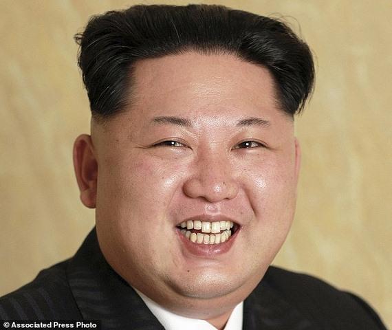Triều Tiên lần đầu công bố ảnh dàn lãnh đạo cao cấp - 1
