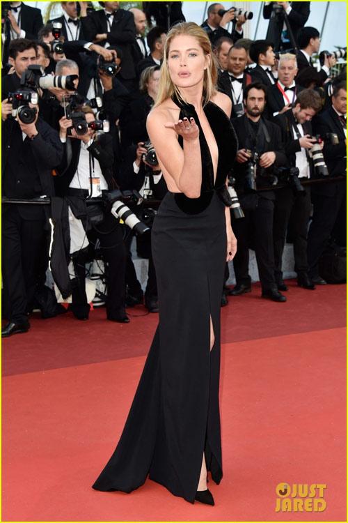 3 chân dài đốt cháy thảm đỏ Cannes nhờ cổ áo sâu hoắm - 8