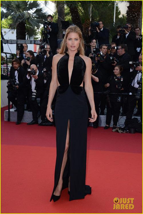 3 chân dài đốt cháy thảm đỏ Cannes nhờ cổ áo sâu hoắm - 9