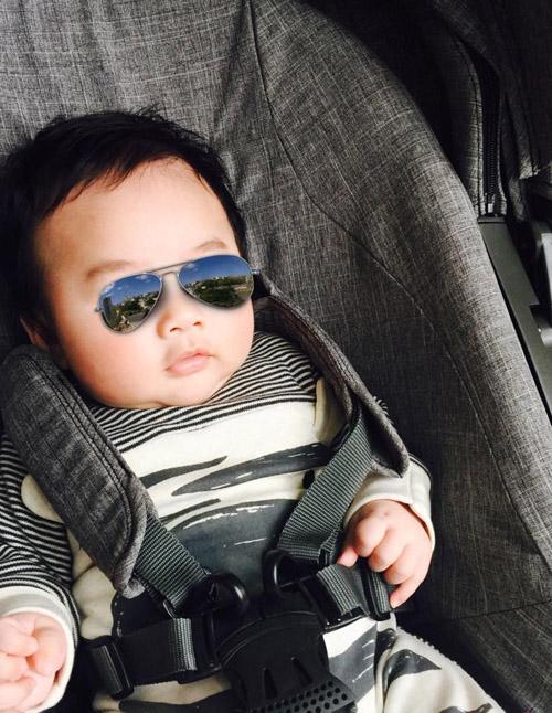 """Facebook sao 12.5: Tùng Dương tung ảnh """"ông bố của năm"""" - 2"""