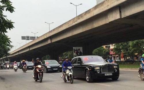 Video: Hai siêu xe Rolls-Royce rước dâu ở Hà Nội gây chú ý - 3