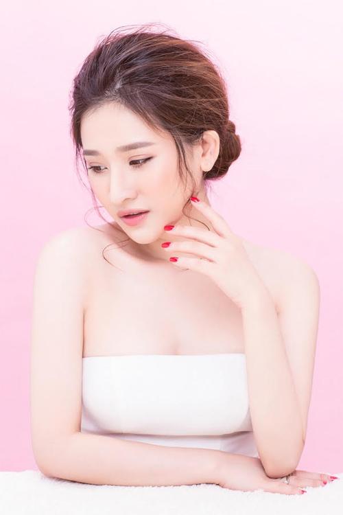 """Hot girl Ivy tung ảnh gợi cảm sau """"ồn ào"""" với Hồ Quang Hiếu - 3"""