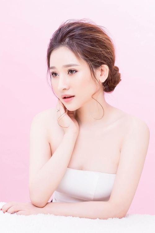 """Hot girl Ivy tung ảnh gợi cảm sau """"ồn ào"""" với Hồ Quang Hiếu - 5"""
