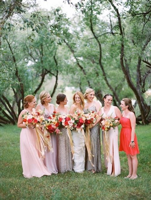 4 trang phục đừng bao giờ diện tới tiệc cưới - 1