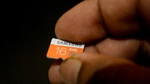 Smartphone tầm trung: cuộc chơi không chỉ ở cấu hình - 3