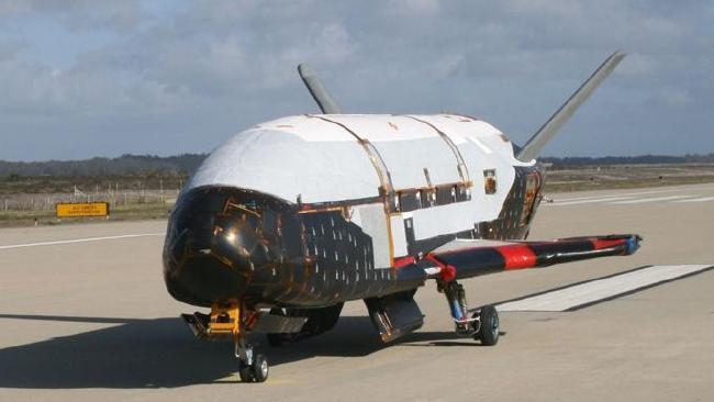 Máy bay tối mật X-37B của Mỹ bay quanh Trái đất làm gì? - 2