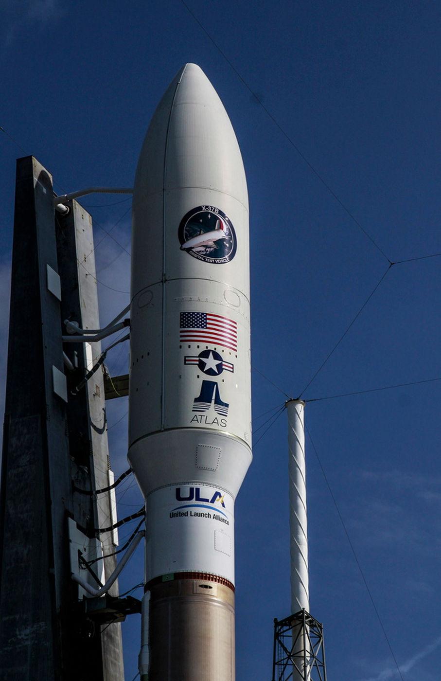 Máy bay tối mật X-37B của Mỹ bay quanh Trái đất làm gì? - 4