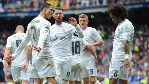 Ronaldo kiếm tiền số 1, Real giá trị nhất thế giới - 1