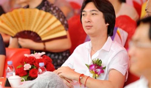 Dàn bồ siêu xinh của cậu ấm giàu thứ nhì Trung Quốc - 1