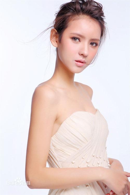Dàn bồ siêu xinh của cậu ấm giàu thứ nhì Trung Quốc - 5
