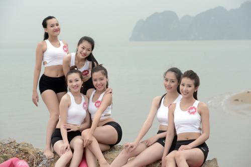 Dàn thí sinh Hoa hậu Biển tập yoga khoe dáng trên cát - 4