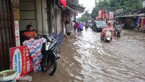 Bắc Bộ đón mưa lớn, Hà Nội có thể ngập úng - 1