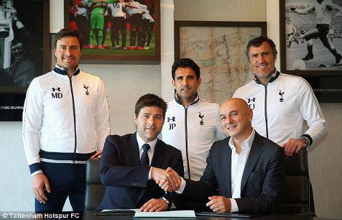 Ăn trưa cùng Sir Alex, Pochettino ký hợp đồng với… Spurs - 1