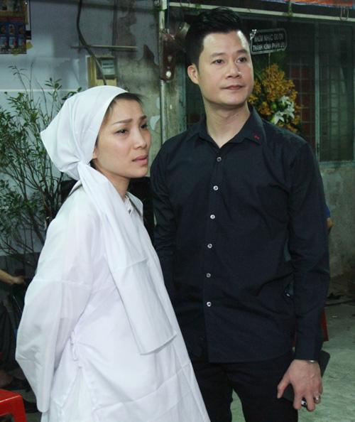 Dàn sao Việt xót xa tiễn đưa bố Hồng Ngọc trong đêm - 5