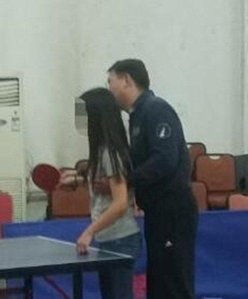 TQ: Thầy giáo bị nghi sàm sỡ nữ sinh khi dạy bóng bàn - 1
