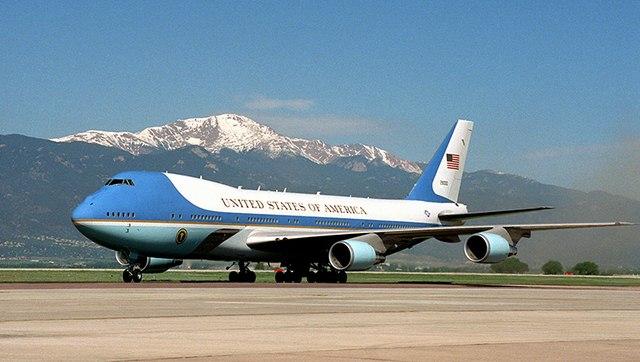Nơi đặt máy bay Không lực Một của Obama bị dọa đánh bom - 1